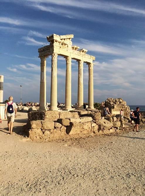 Визитная карточка Сиде — храм Аполлона и Афины