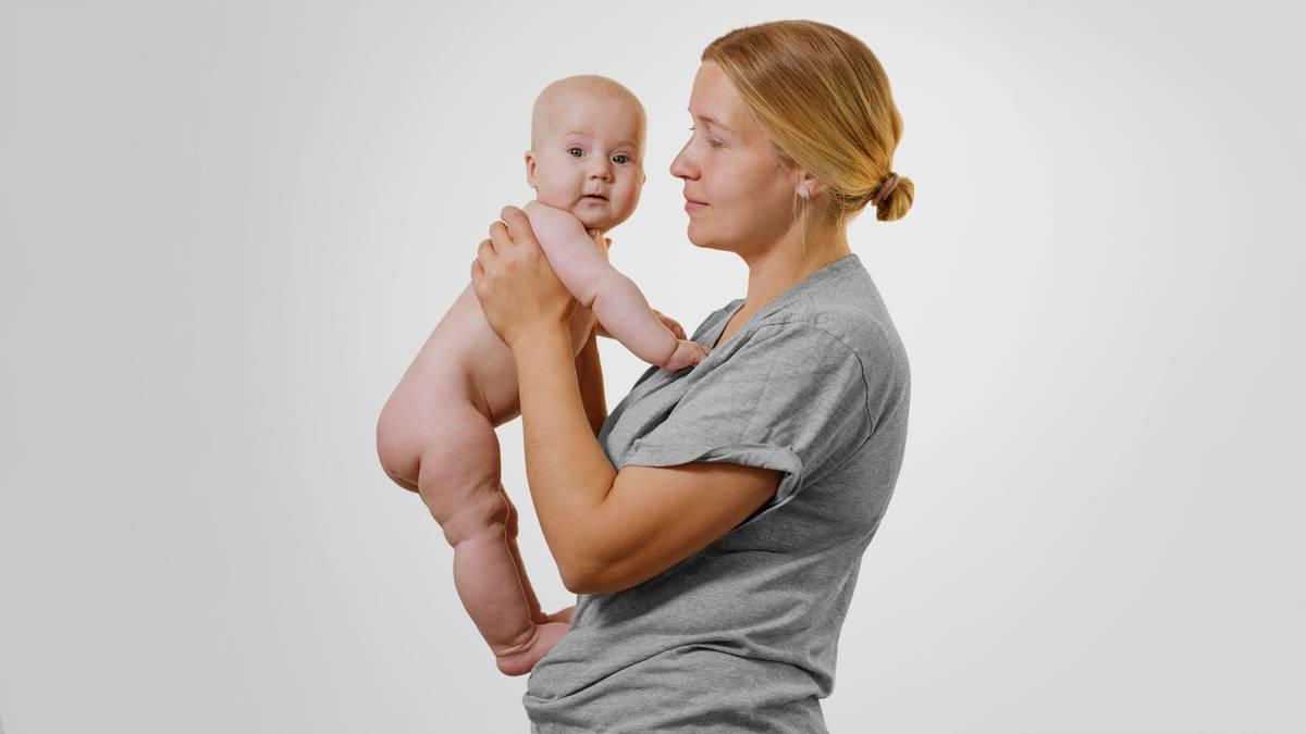 Как лечить колики у ребенка
