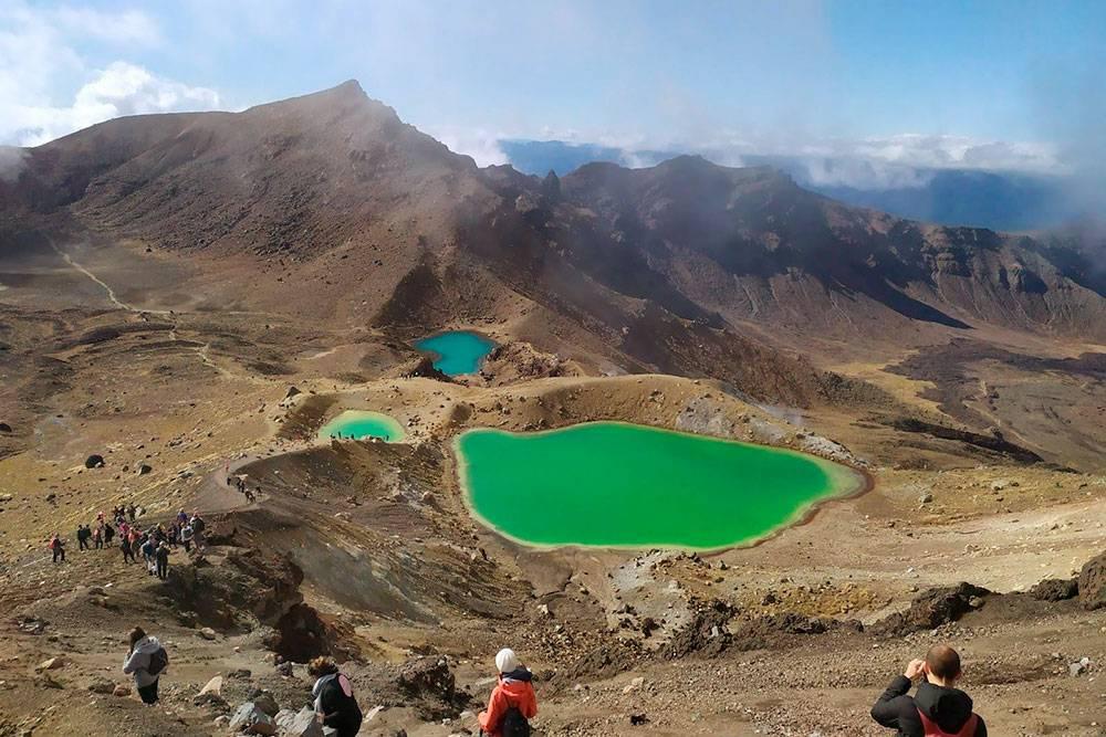 С кратера открывается великолепный вид на озера