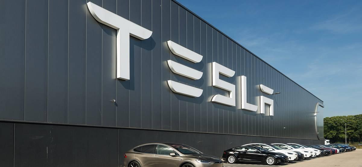 Экс-глава Ford: «Tesla сталкивается с серьезной конкуренцией»