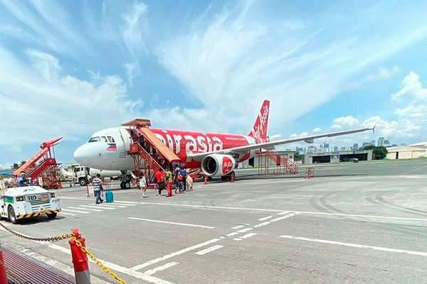 Самолет лоукостера AirAsia
