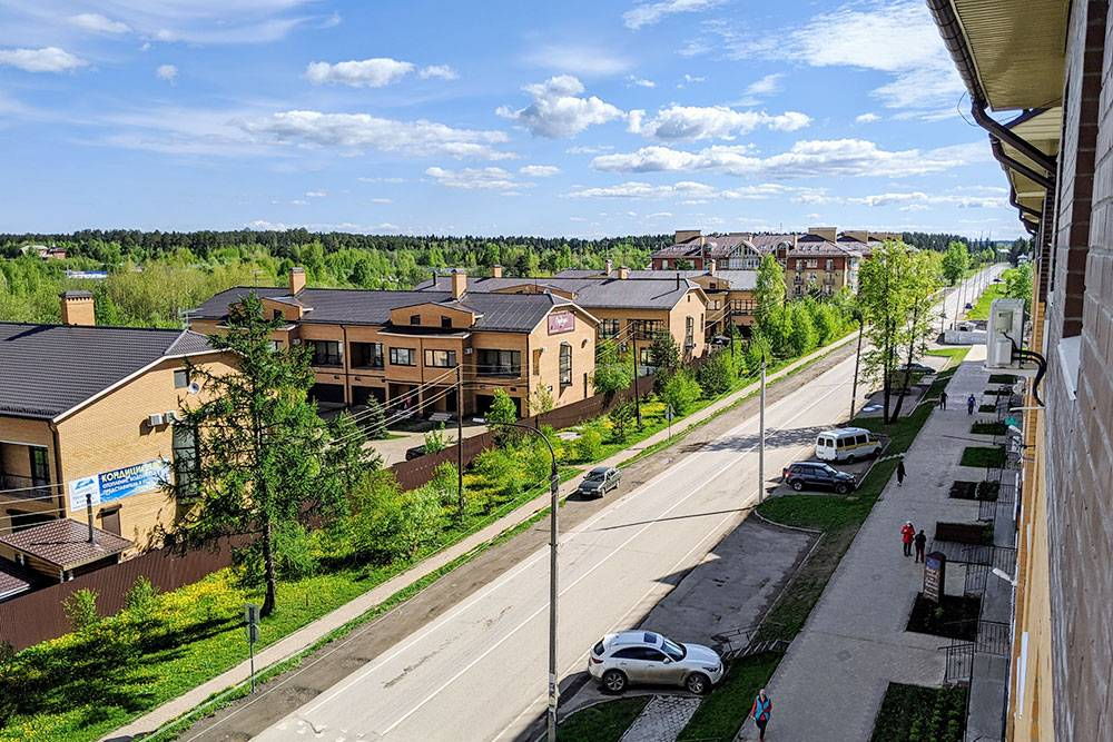 Центральная улица поселка на подъездах к курорту «Усть-Качка»