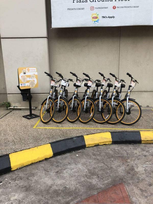 Стоянка велосипедов, которые можно взять в прокат