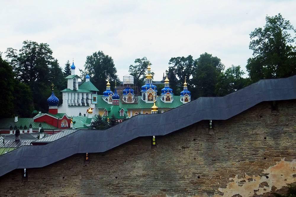 Вид со смотровой площадки монастыря. Источник: Guy Fawkes / Flickr