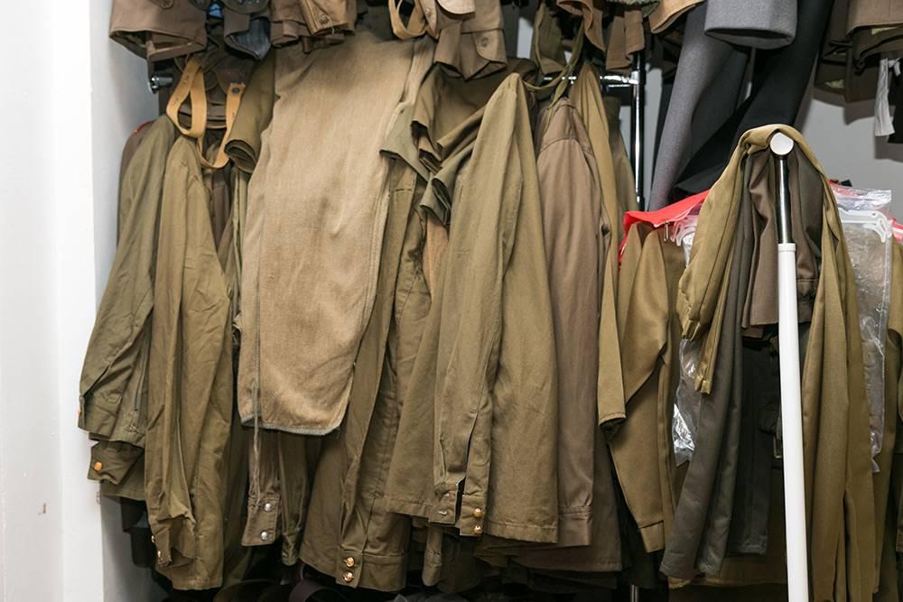 Сейчас в «Комоде» 50 комплектов военной формы. Вика закупает их каждый год, но их всегда оказывается мало