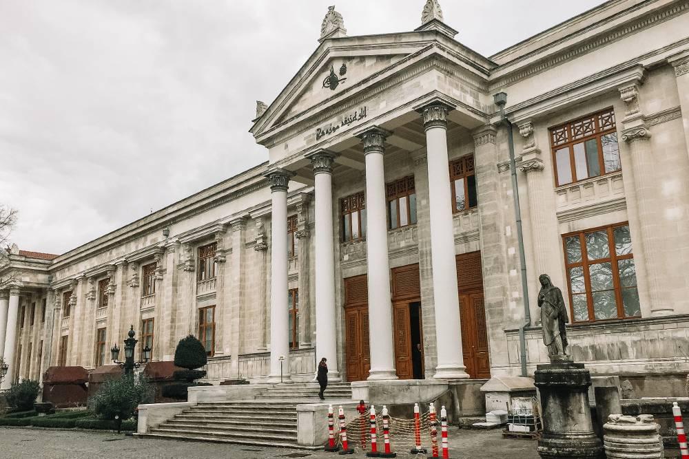 Главное здание Археологического музея. В нем больше миллиона экспонатов из различных эпох и культур