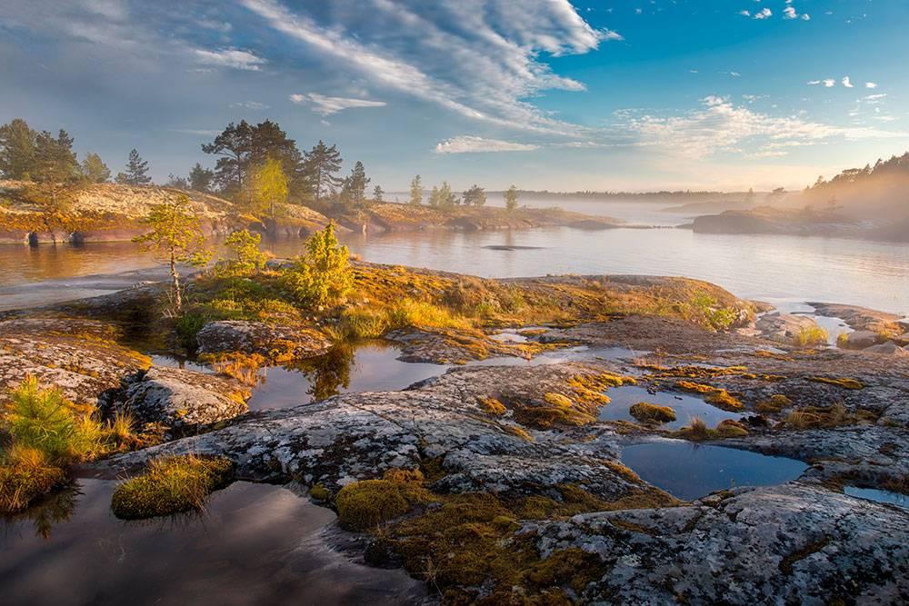 Шхеры — это маленькие скалистые острова, объединенные в большой архипелаг. На Ладоге их около шестисот