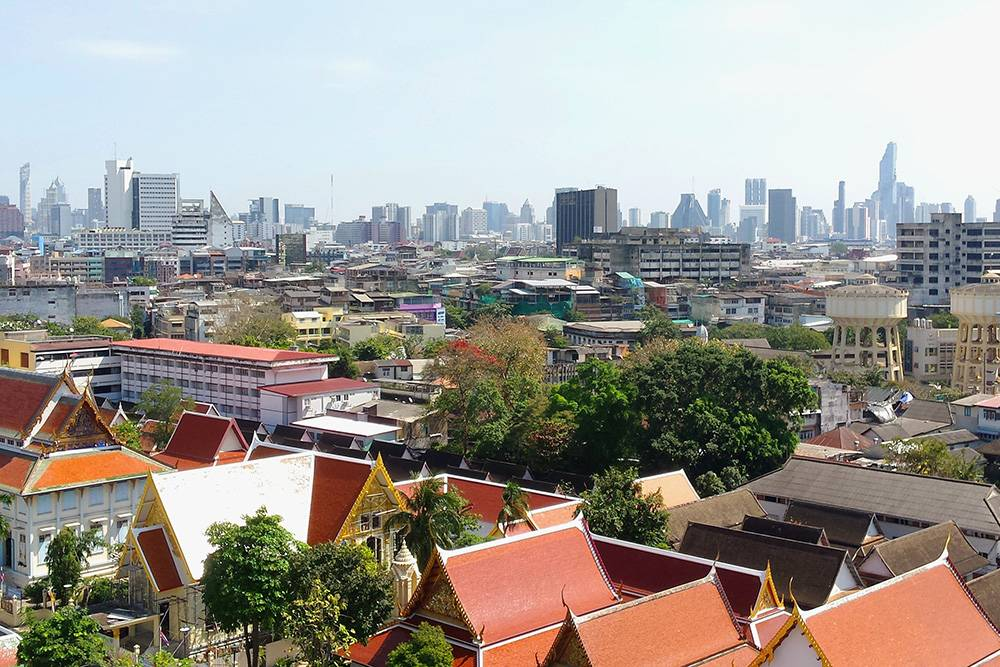 Вид с крыши тайского храма