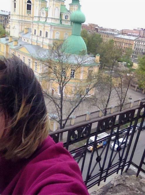 Вид с балкона на Благовещенскую церковь