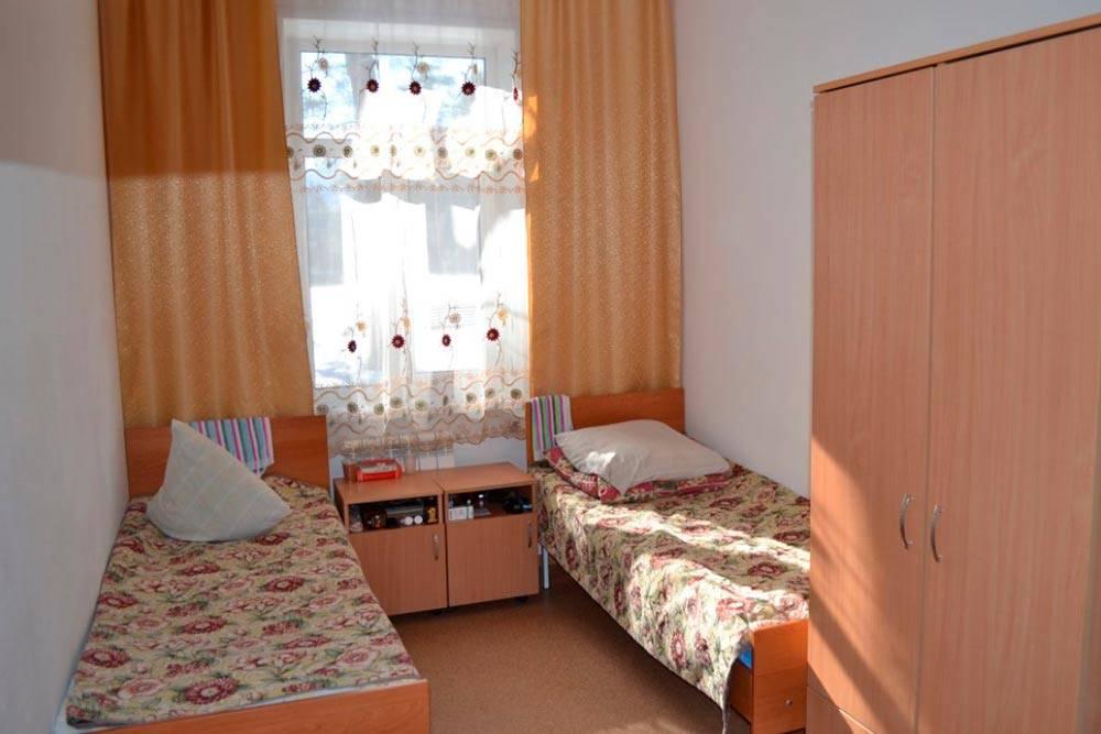 Номера в санатории были двух- итрехместные. Источник: kurort.rosminzdrav.ru