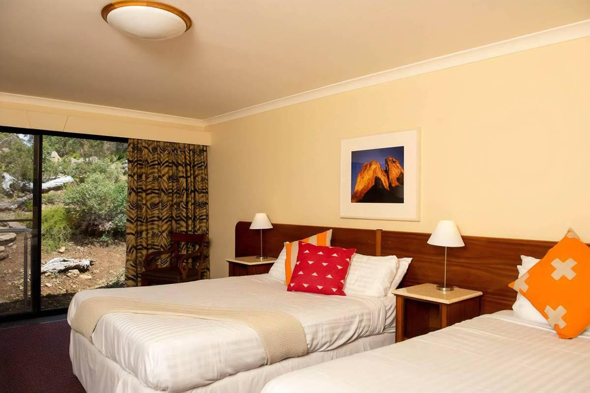 Самый дешевый номер в отеле Cradle Mountain в Тасмании за 11 814<span class=ruble>Р</span> в сутки. Источник: booking.com