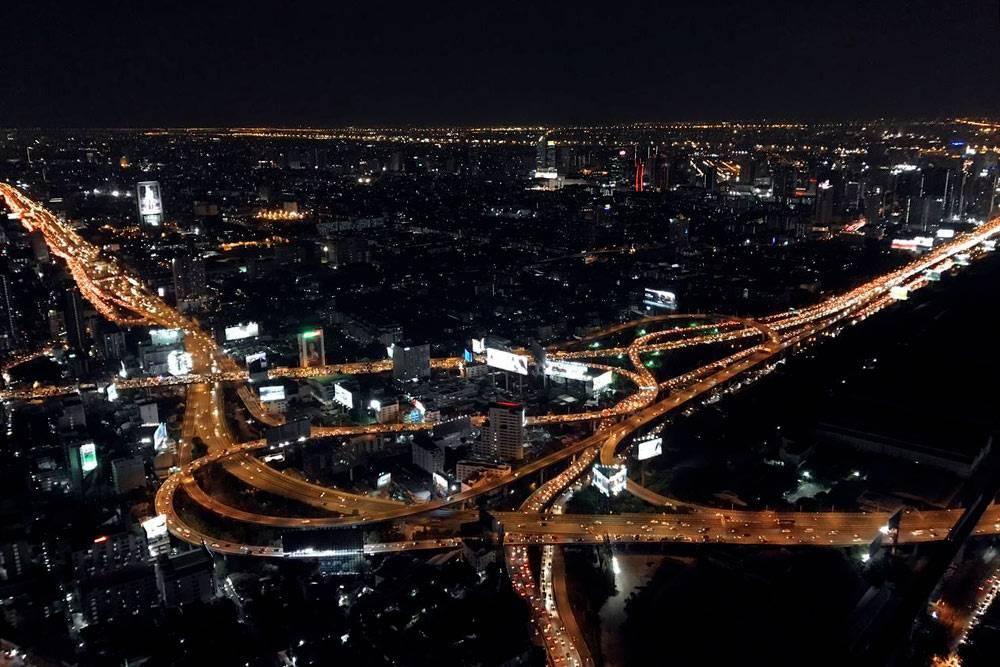 Если верить Википедии, в агломерации Большой Бангкок проживает пятая часть населения Таиланда