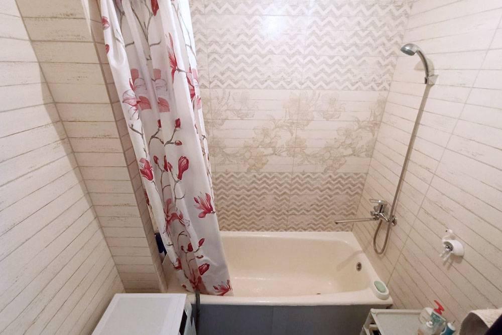 Дизайн ванной мы придумали в программе, которая потом сама рассчитала количество плитки