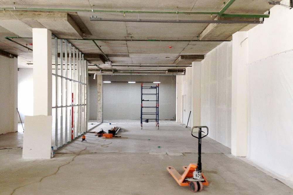Когда подписывали договор на аренду, в помещении были только голые стены