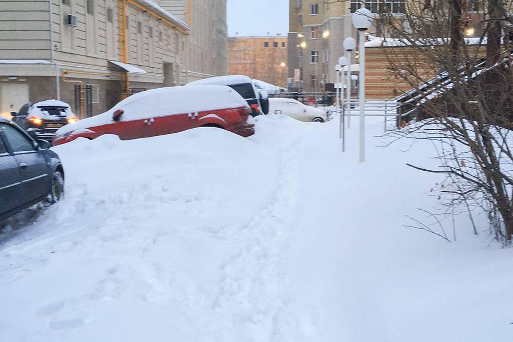 За ночь выпал еще снег — идти стало совсем тяжело