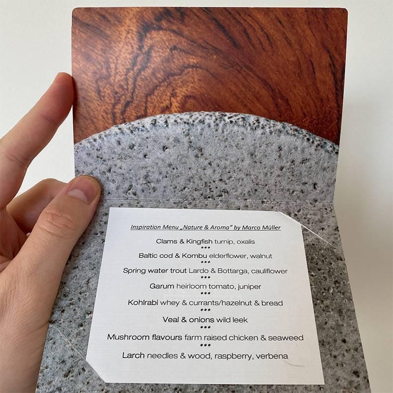 Вместо меню вресторанах дают карточку сописанием сета. Эта— изRutz