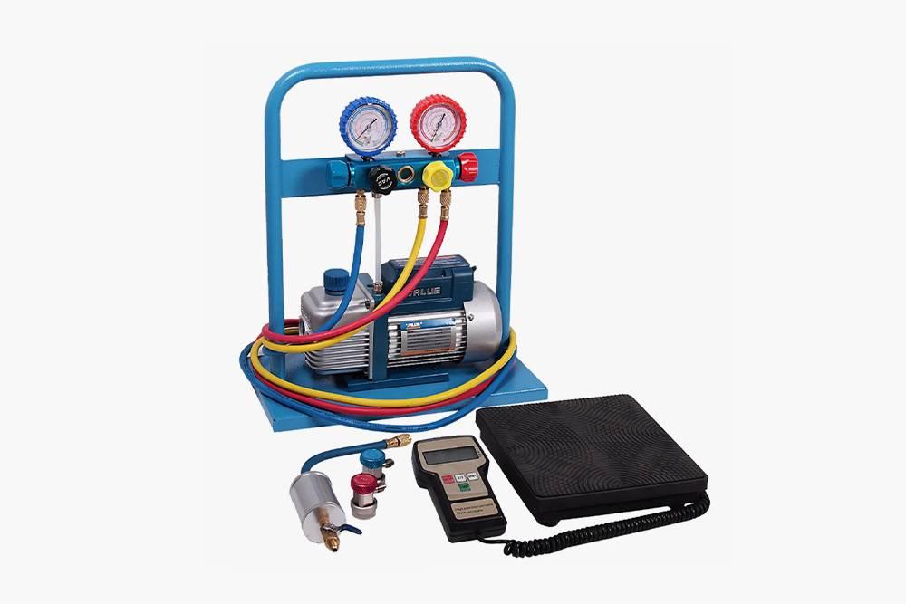 Комплект длязаправки кондиционеров. Источник: «Озон»