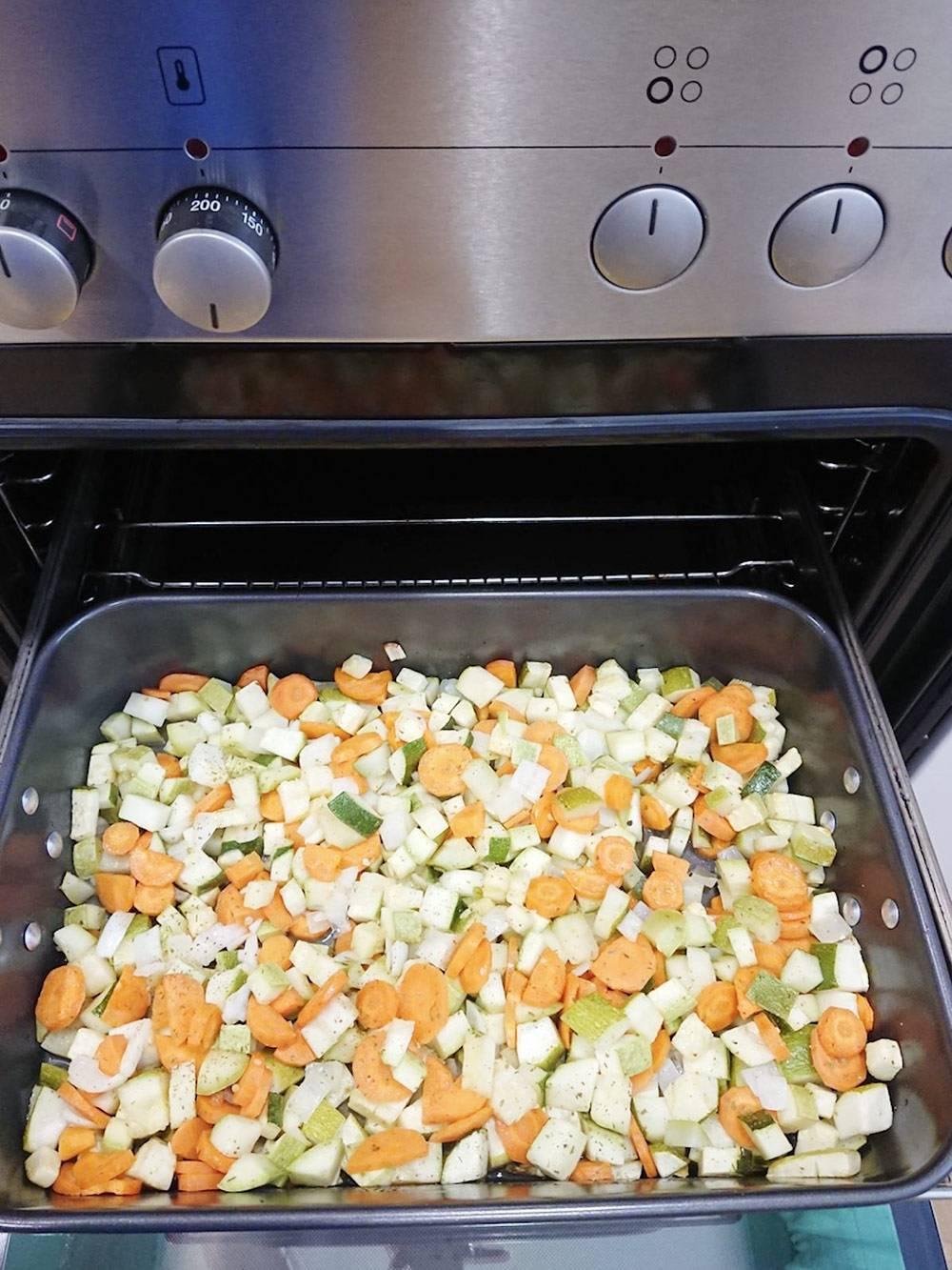 Жареные или запеченные овощи мне нравятся больше, чем тушенные в сотейнике