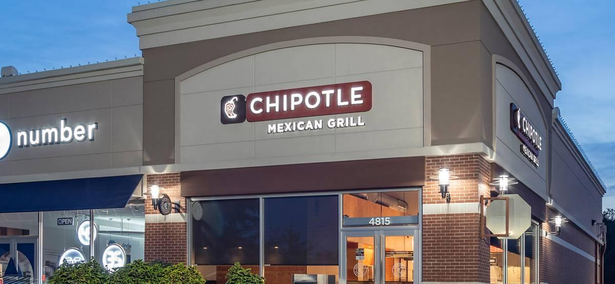 Глава American Express: люди всечаще путешествуют и ходят в рестораны