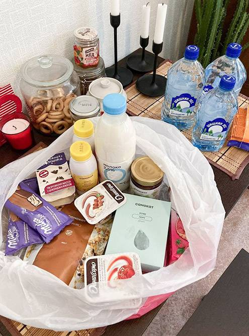 В последние пару месяцев молоко, мюсли, творог, сыр, кофе и еще половина продуктовой корзины — их продукция