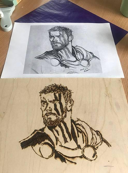 Проба пера. Рисовать я не умею, такчто эскиз, загруженный из интернета, я переводил на дерево с помощью специальной бумаги