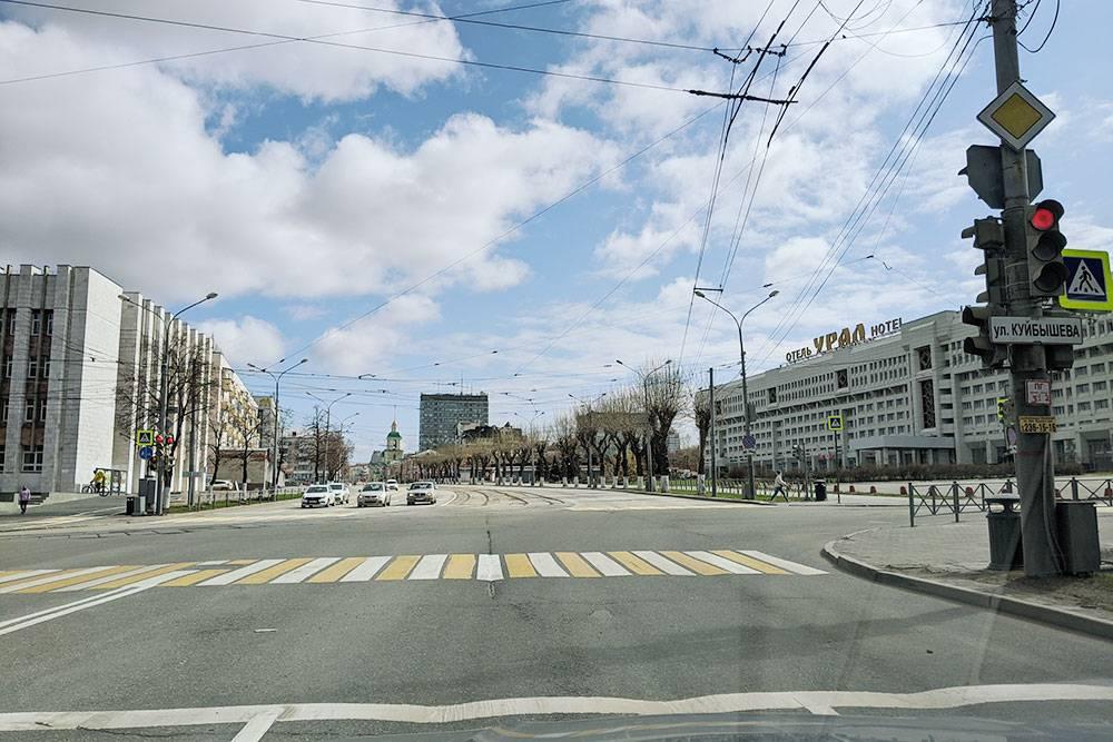 Во время карантина в апреле 2020 года даже в центре города на улицах почти не было машин