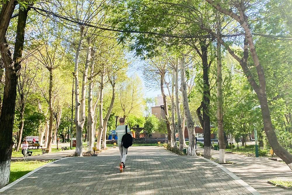 Парк небольшой — чтобы полностью его обойти, понадобится 20—30 минут