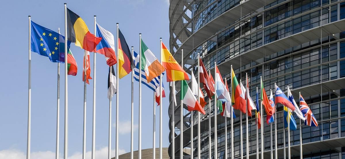 Евросоюз вводит ковид-паспорта длятуристов с 1 июля