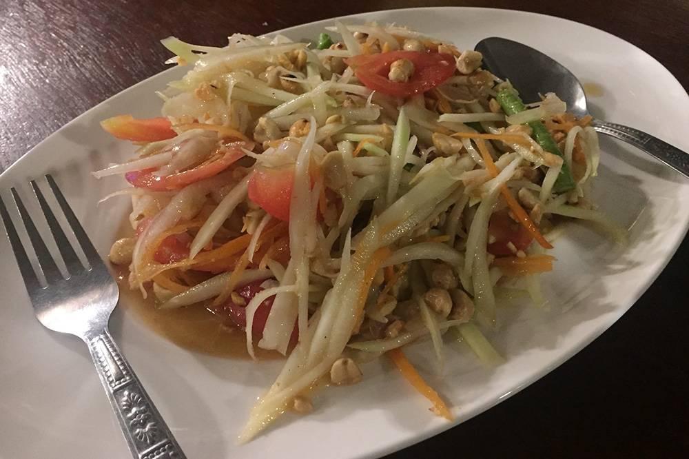 По версии путеводителя Lonely Planet, салат сом-там входит в пятерку лучших блюд мира