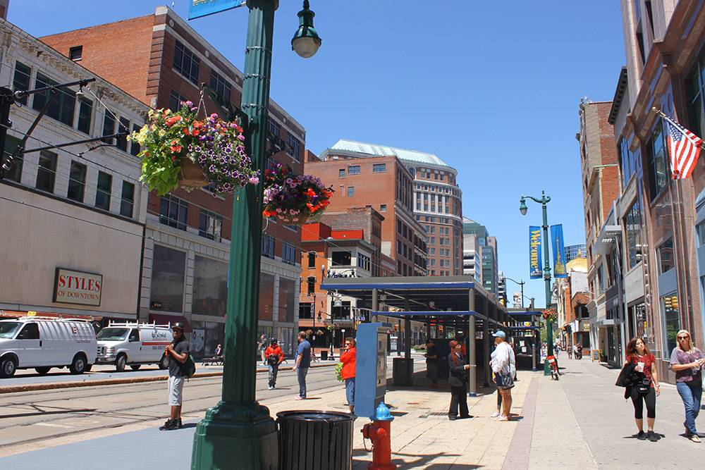 Баффало — второй по численности город штата с населением 256 тысяч человек. На центральных улицах нет толп, как в Нью-Йорке. Здесь можно свободно гулять и отдыхать от суеты