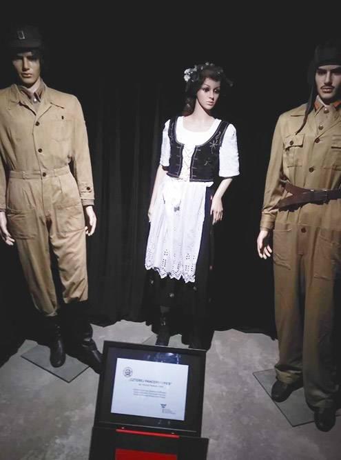 Нашел в музее кино в Польше оригинальные костюмы героев сериала из детства «Четыре танкиста и собака» и заплатил за это на несколько злотых меньше