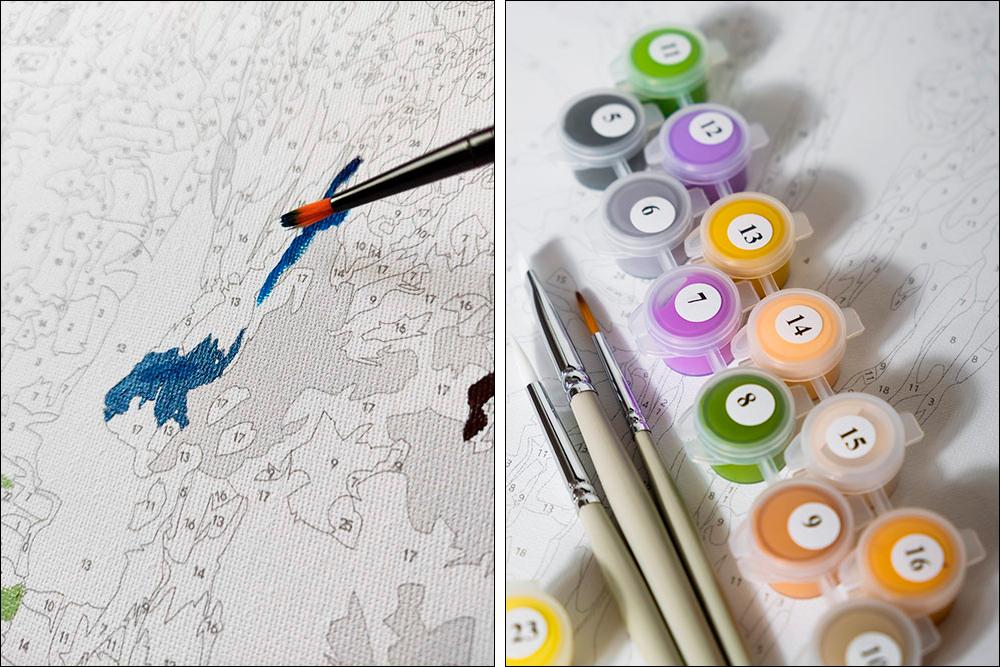 Так выглядит процесс рисования картины по номерам. Каждое число — это определенный цвет. Числа есть на холсте и на баночках краски
