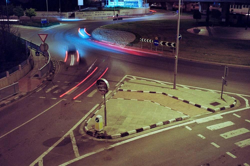 Дорожное покрытие на Кипре, особенно между городами, отличное, разметка четкая. Фото: Max Zhiltsov