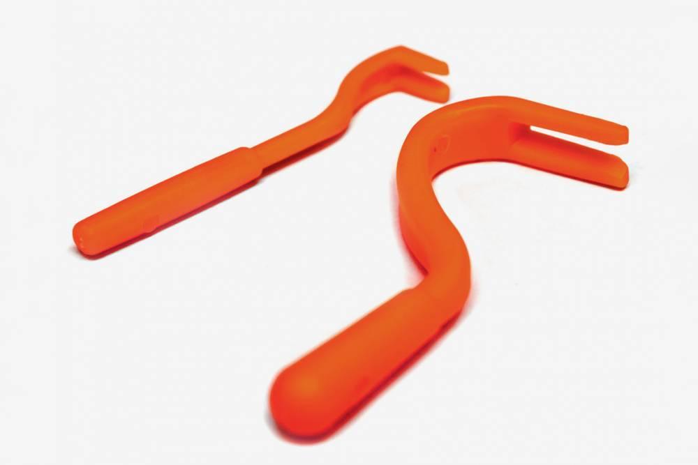 Специальный инструмент для&nbsp;извлечения клещей. Его можно купить в ветеринарной аптеке или на «Алиэкспрессе». Стоит 150—200<span class=ruble>Р</span>
