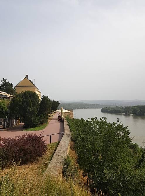 Крепость в разные периоды принадлежала Османской империи и Австро-Венгриии