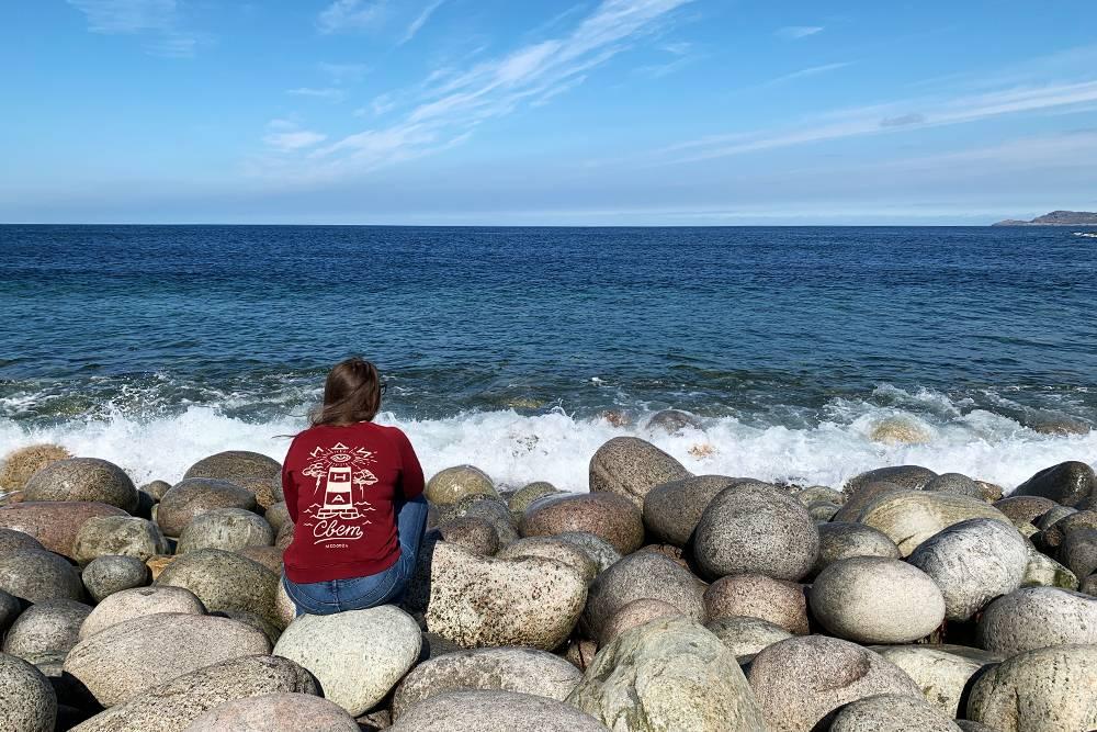 Думаю, что приеду в Териберку еще раз. Буду сидеть где-нибудь на скале и просто смотреть на море