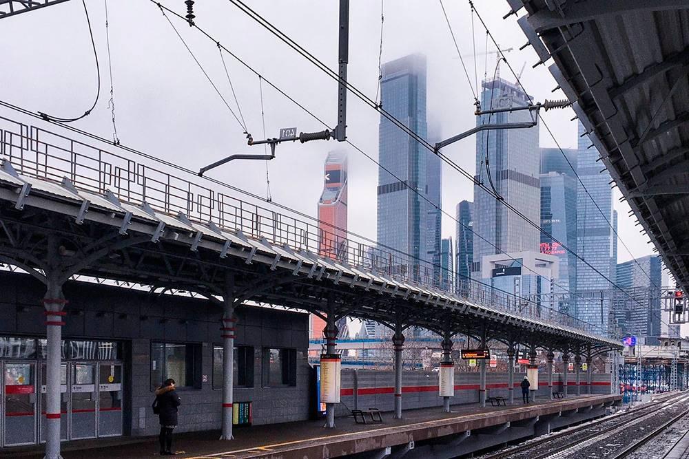 Так я добираюсь на работу почти каждый день. Мы живем на крайнем севере Москвы, а работаем оба в пределах Третьего транспортного кольца
