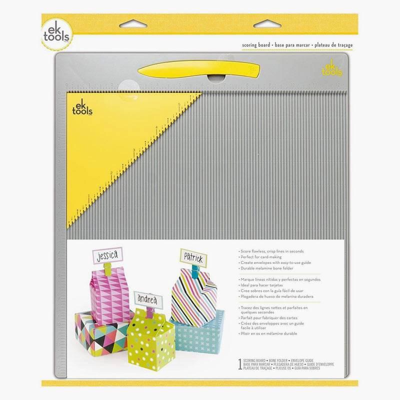 Доску длябиговки лучше брать большого формата, предназначенную дляработы сбумагой 30 × 30 см. Источник: rucodelieshop.ru
