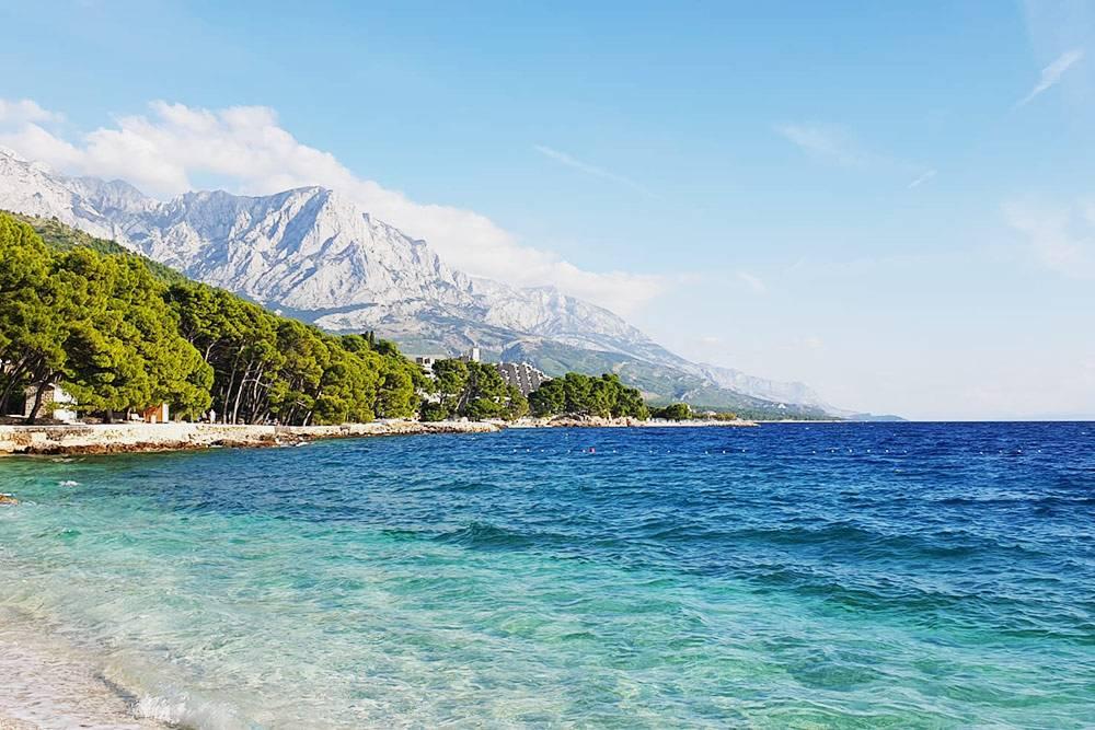 В Бреле — одни из самых красивых и уединенных пляжей. Лучше всего ехать туда к концу сезона