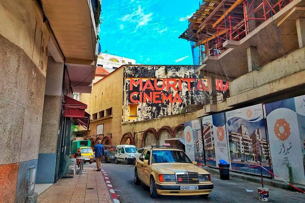 «Гран-такси» в Танжере — бежевые Мерседесы