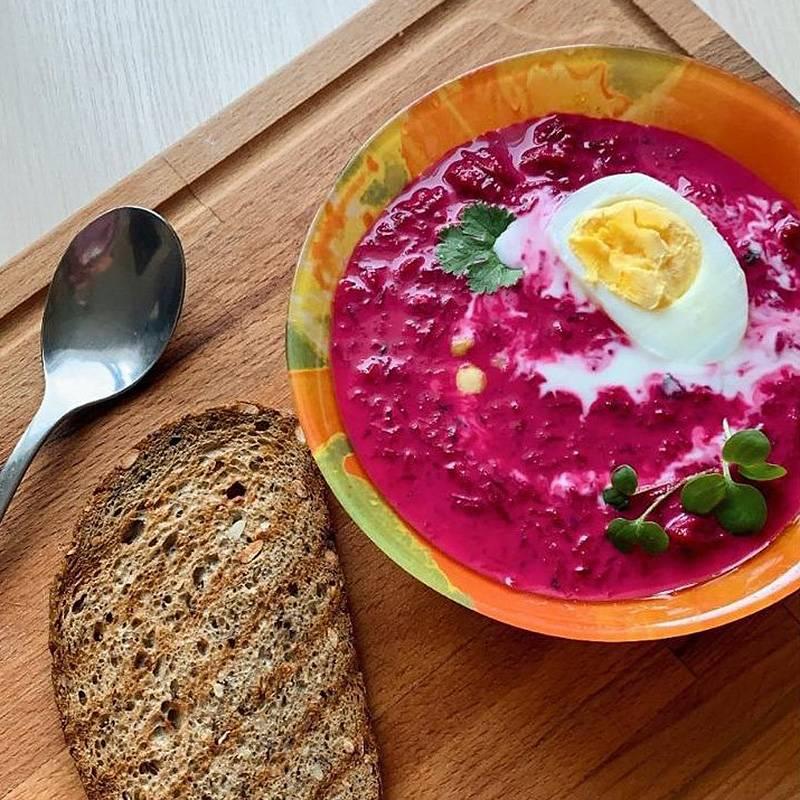 Такой суп идеален для жаркого летнего дня. Он одновременно немного острый и освежающий