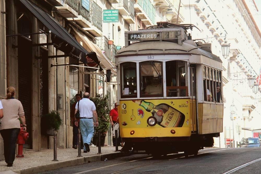 Трамвай в Лиссабоне считают одной из городских достопримечательностей