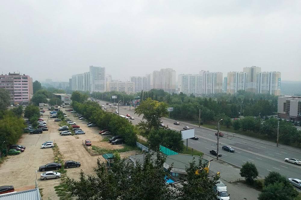 В конце июля 2019 года на два дня Челябинск затянуло серым туманом с ощутимым запахом. Предположительно горят леса в Сибири, и к нам принесло дым, но свой вклад вносят и местные предприятия