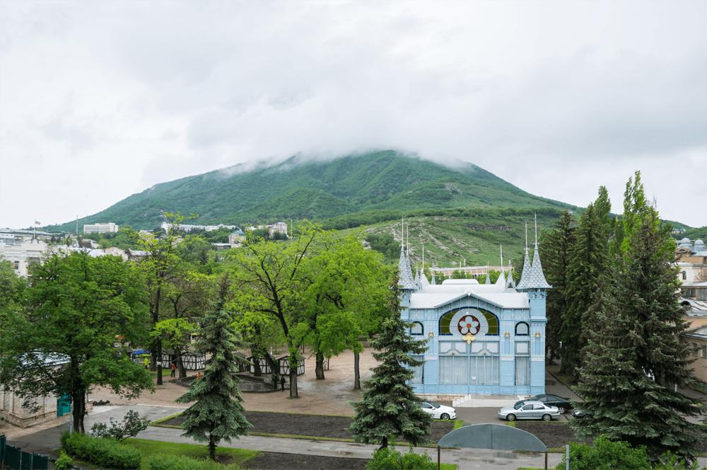 Пятигорск: поберегите силы для дальнейших восхождений, добраться до вершины горы в этом городе можно лениво — по канатной дороге