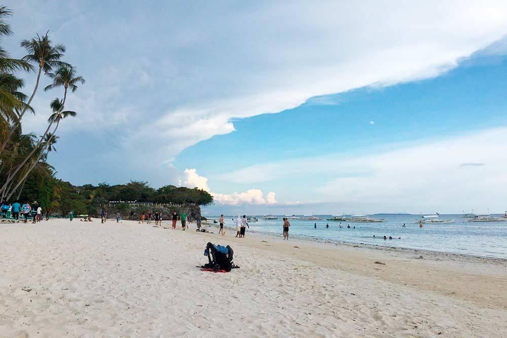 Пляж Алона на Бохоле