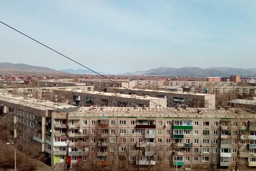 Вид из окна. Этот район города называется «Крепость»: сверху он действительно напоминает средневековую крепость, огороженную почти сплошной стеной домов