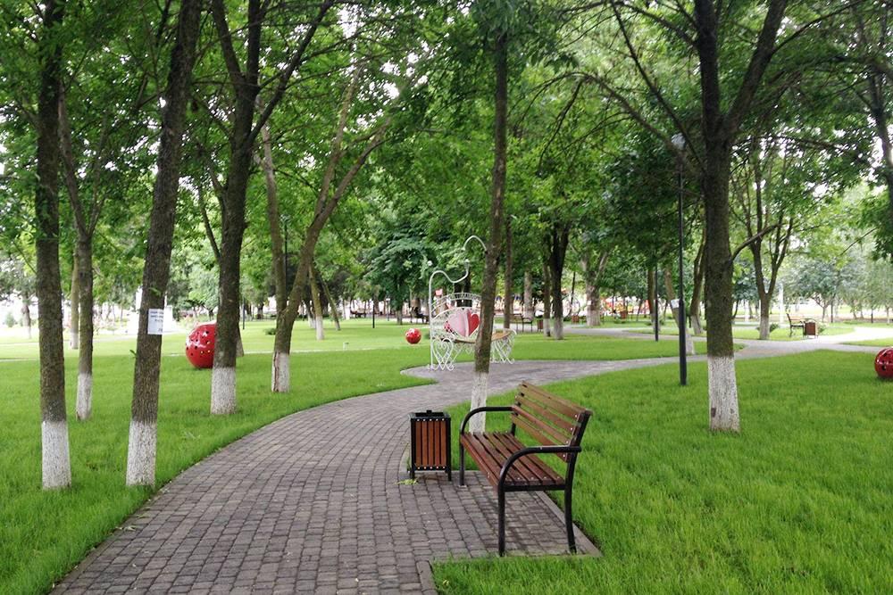 В парке чисто и ухоженно