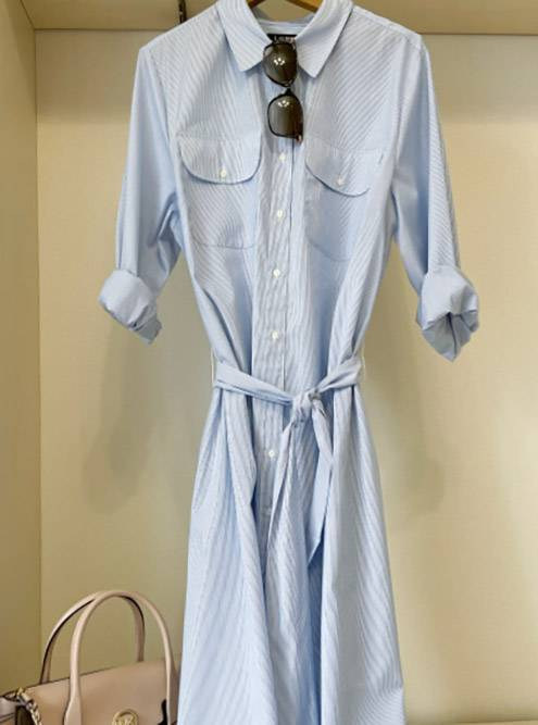 Вот так выглядит платье — я его сфоткала уже позже, в своей новой квартире. Сумка «Майкл Корс», очки «Макс Мара»