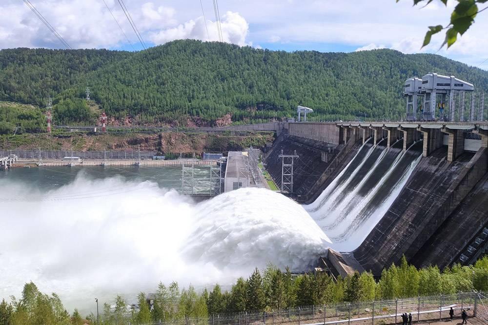 В 2021году из-за снежной зимы и затяжной весны случился паводок, поэтому на ГЭС открыли четыре затвора. В последний раз такое было в 2006году