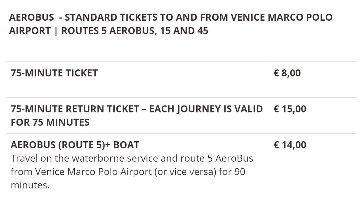 Автобус из аэропорта Венеции до города стоит 8€, а туда и обратно — 15€. Но перерыв между поездками должен быть не больше 75минут
